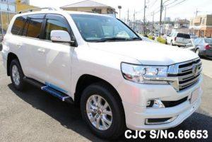 Cars for Diplomats_Land Cruiser