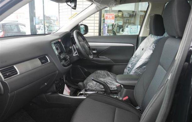 Mitsubishi-Outlander 2018