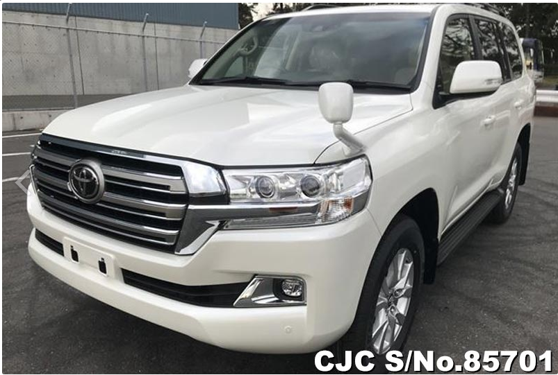 land cruiser white 2020